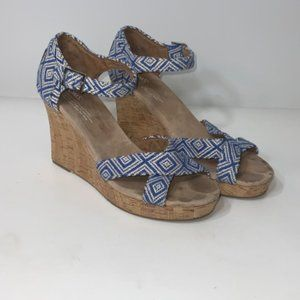 Toms 8.5 Blue and White Wedges